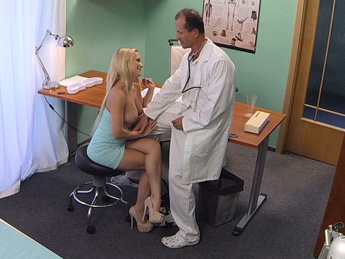 Fake Hospital - Blonde with nice tits gets a full examination