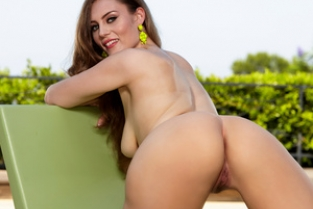 Twistys - Jenna Justice in Swan Queen