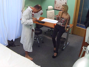 Fake Hospital - Doctors Halloween costume wardrobe malfunction gets blonde horny and wet