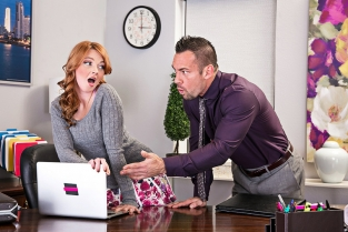 NaughtyAmerica - Marie McCray & Johnny Castle in Naughty Office