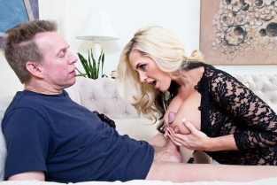 NaughtyAmerica - Alena Croft & Mark Wood in Neighbor Affair