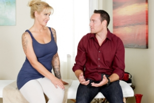 Fantasy Massage - Call Me Mommy Ryan Conner, Romeo Price
