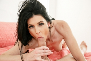 NaughtyAmerica - India Summer & Van Wylde in My Friend's Hot Mom