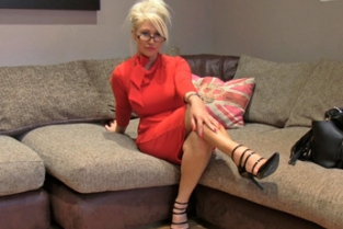 Fake Agent UK - Massive facial for hot blonde MILF
