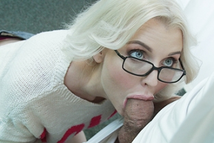 Fake Hospital - Skinny babe needs medicinal cock
