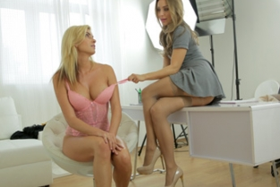 Female Agent - E349 Bianca And Nessy Agent loves sexy hot blondes figure