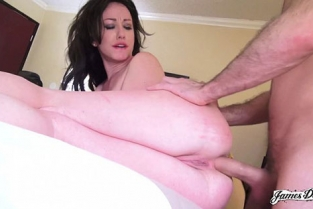 JamesDeen - Jennifer White Butt Friends