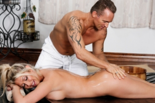 NuruMassage - Met Over The Pond Lexi Lowe, Marcus London