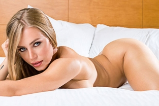 TonightsGirlfriend - Nicole Aniston