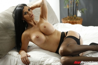 New Sensations - Jasmine Jae Hotwife Bound
