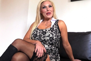 Fake Agent UK - Hardcore Porn Interests Sexy Blonde MILF