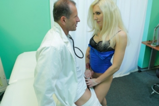 Fake Hospital - Tattooed Blonde Loves Doctor's Dick