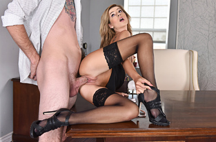 NaughtyAmerica - Bella Rose & Buddy Hollywood in Naughty Office