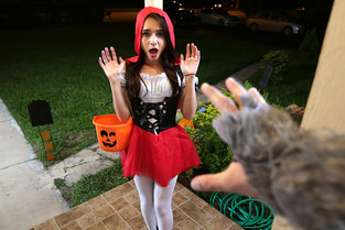 Brunette Spinner Fucks on Halloween & Kharlie Stone - Don't Break Me