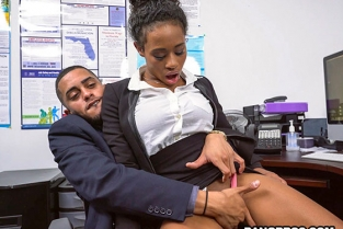 Bangbros - Ivy Young learns how to get ahead in the office Brown Bunnies