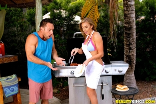 RealityKings - Kate Lin Milf On The Grill MilfHunter