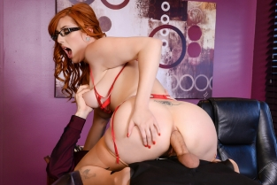 The New Girl: Part 2 Danny D, Lauren Phillips