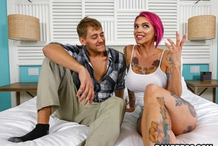 Bangbros - Anna Bell Peaks Throws fan a bone BangbrosClips