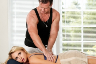 Fantasy Massage - Honey, It Started As A Footjob: Part One Eric Masterson, Alix Lynx