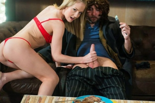 XXXShades - Sicilia Steak & Blowjob Day celebration with Sicilia and homeless guy