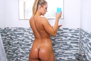 Bangbros - Candice Dare Big Dick in Candice Dare Huge Ass AssParade