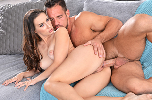 NaughtyAmerica - Cassidy Klein & Johnny Castle in Dirty Wives Club