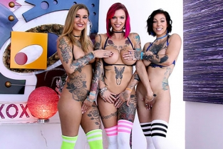 Swallowed - Anna Bell Peaks, Harlow Harrison, Kleio Valentien This Tatted Trio Gets Sloppy