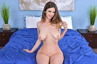 NaughtyAmerica - Stella Cox & Johnny Castle in My Friend's Hot Girl