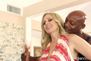 KinkySpa - Julia Ann Huge Titted Cougar Fucked During Massage