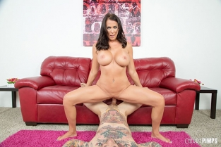 WildOnCam - Reagan Foxx Hot MILF Reagan Loves Cock