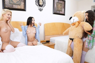 BFFs - Kiley Jay, Riley Star Bear Necessities