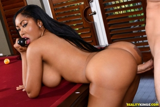RealityKings - Moriah Mills Pool Hall Twerk RoundAndBrown