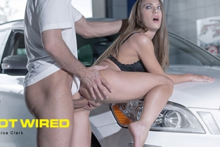 Babes - Veronica Clark Hot Wired