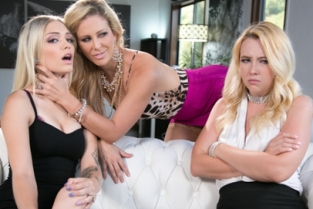 Mommys Girl - Mafia Mom Samantha Rone, Cherie DeVille, Alex Grey