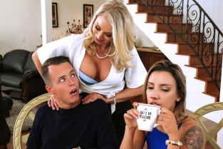 Massaged By Her Mother Katie Morgan, Justin Hunt