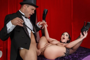The Magician's Ass-istant Angela White, Ramon