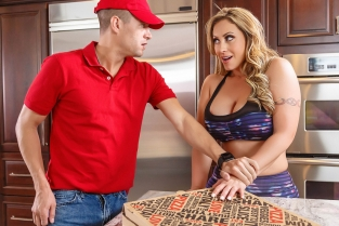 ZZ Pizza Party: Part 1 Eva Notty, Xander Corvus