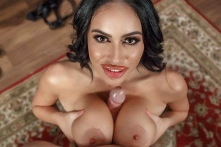 Hot Mic Victoria June, Johnny Sins