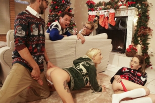 MyFamilyPies - Angel Smalls, Kenzie Reeves Christmas Family Sex
