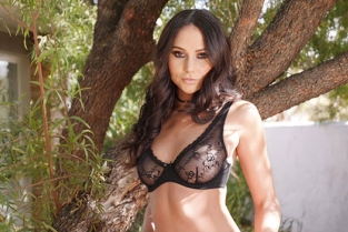 BangGonzo - Ariana Marie Sexy Ariana Marie Is Perfectly Seductive