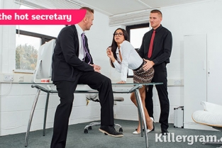 Killergram - Julia De Lucia DP The Hot Secretary