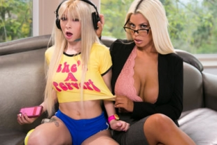 Mommys Girl - Shared Experience Bridgette B, Kenzie Reeves