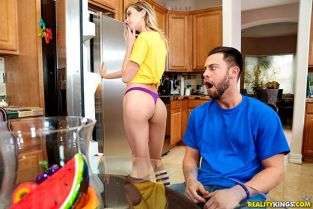 RealityKings - Haley Reed Friendly Neighborhood Slut Pure18
