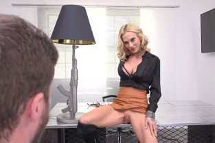 BangConfessions - Sarah Jessie Lets Her Personal Assistant Worship Her Pussy To Keep His Job