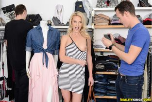 RealityKings - Sydney Hail Shopping With Bae SneakySex