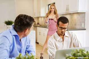 RealityKings - Kali Roses Kali Wants His Attention SneakySex