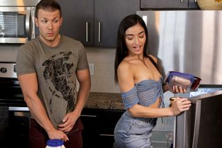StepSiblingsCaught - Emily Willis Naive Step Sister
