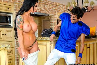 BangBros - Melissa Lynn Lesson With Squirting MILF MomIsHorny