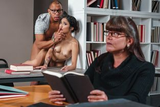 RealityKings - Avery Black So This Is College SneakySex