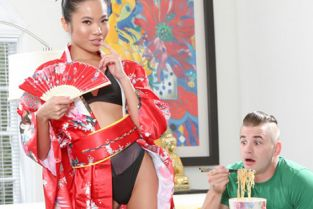 Family - Vina Sky Asian Stepsister Knows Exactly What He Needs